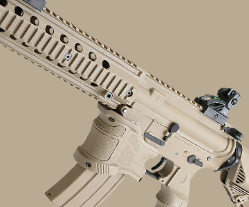 tan airsoft m4 rifle